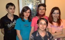 Тамара Твердохлеб с детьми