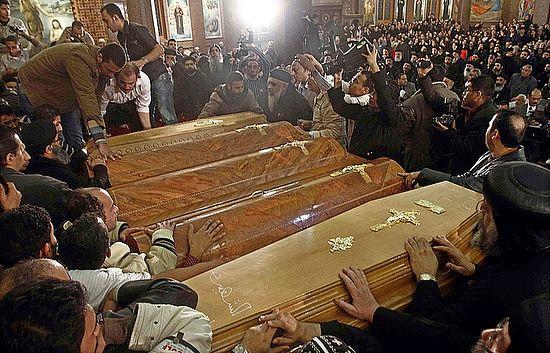 Похороны убитых христиан в Египте