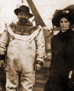 Александр Куприн в водолазном костюме