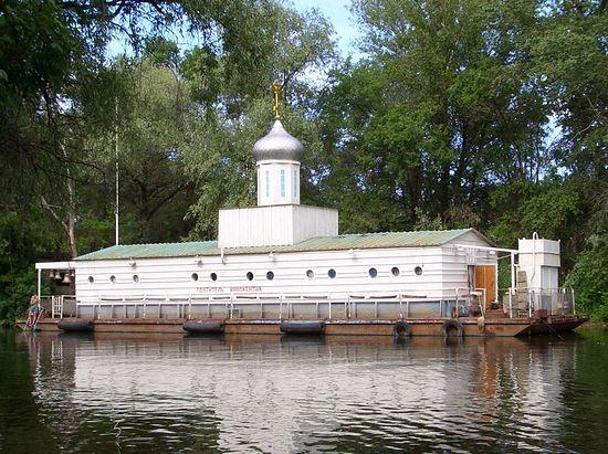 Плавучий храм «Святитель Иннокентий»