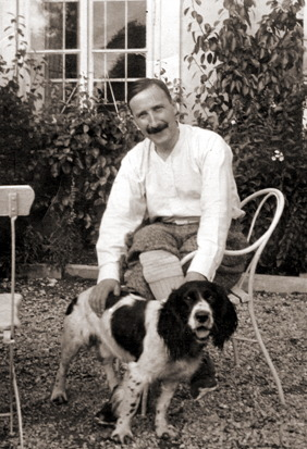 Стефан Цвейг с собакой