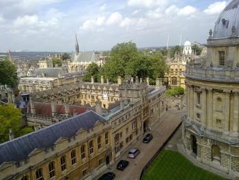Колледж Брейзноуз в Оксфорде. Вид с часовни св. Марии