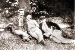 Прототипы героев «Трое в лодке...» слева направо: Карл Хентшель (Харрис), Джордж Уингрейв (Джордж), Джером К. Джером (Джей)