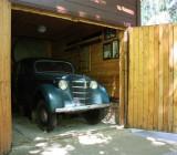 Пришвин очень любил автомобили. В последние годы жизни у него был «Москвич-401», который до сих пор здесь и в отличном состоянии.