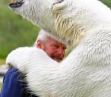 Марк Эббот Думас и медведица Эги