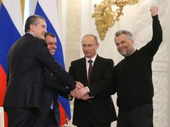 Помните народного мэра Севастополя Чалого? Помните его свитер на подписании договора о вхождении Крыма в состав РФ