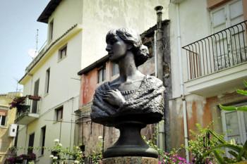 Памятник Анне Ахматовой на Сицилии