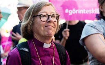 Епископ-лесбиянка Ева Брунне на гей-параде в Стокгольме 1 августа 2015 года
