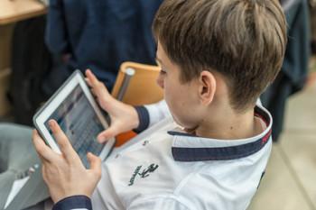 Фонды российских библиотек станут доступны через смартфоны