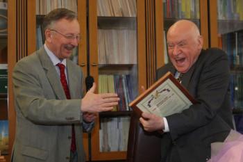Организатор премии Святослав Рыбас и ее лауреат Лео Бокерия