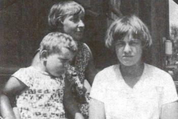 Мур (Георгий Эфрон), Марина Цветаева, Ариадна Эфрон. 1928