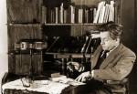 Ярослав Галан в своем кабинете. 1947 г.